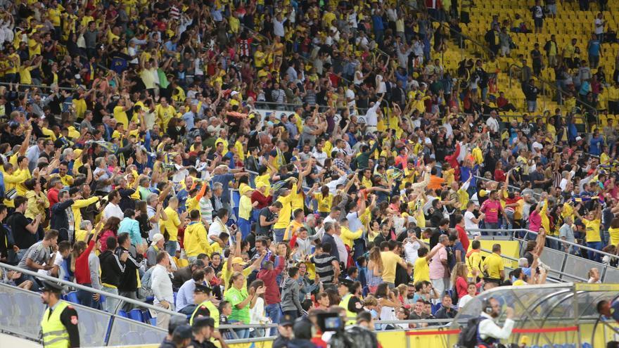 Afición de la UD Las Palmas en el partido contra el Real Madrid (ALEJANDRO RAMOS)