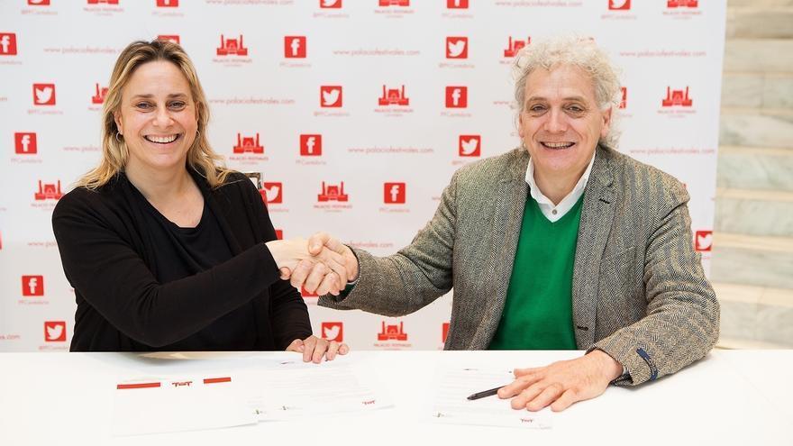 Gobierno y Hostelería firman un acuerdo para promocionar la programación del Palacio de Festivales