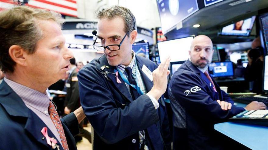 Wall Street recobra el optimismo con ganancias y el Dow Jones sube un 1,30 %