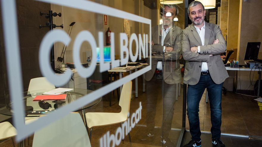 Jaume Collboni a l'entrada de la seva seu electoral / ENRIC CATALÀ