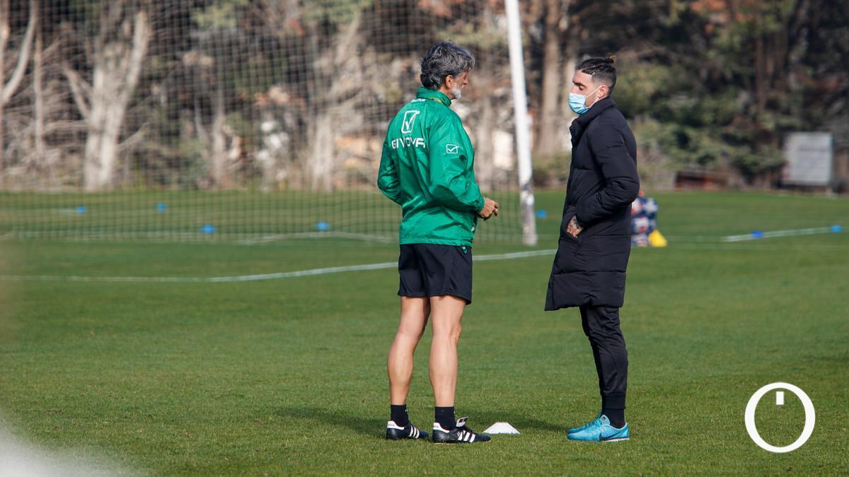 Pablo Alfaro conversa con Samu Delgado.