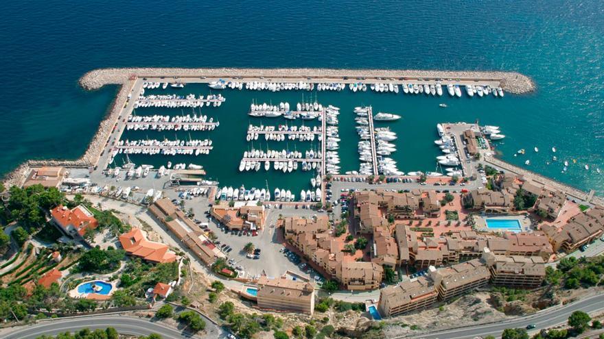 Puerto deportivo Marina de Campomanes que gestiona Marina Greenwich a quienes la Generalitat deberá indemnizar con un millón de euros.
