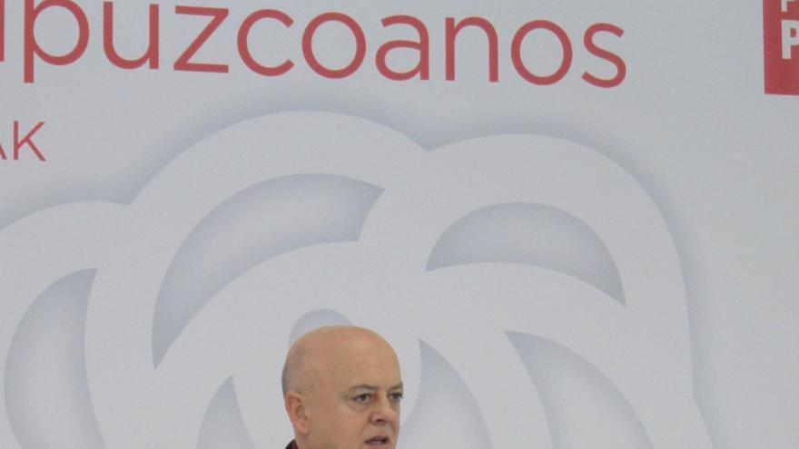 """Elorza (PSOE) dice que el Gobierno central del PP se ha convertido """"en auténtico enemigo"""" de la Constitución"""