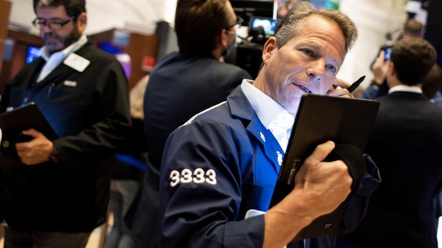 Wall Street cierra con pérdidas y el Dow Jones cae 1,63 % por temor a la inflación