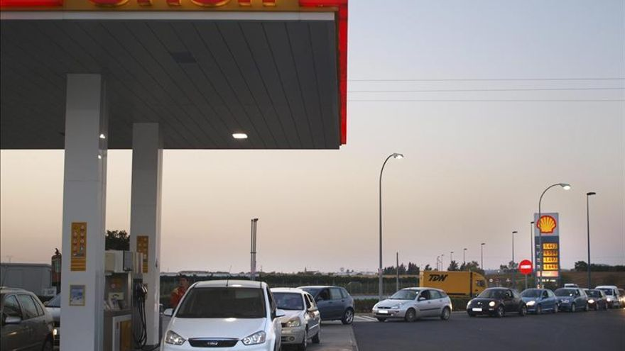 La OCU promueve la primera compra colectiva de carburantes en España