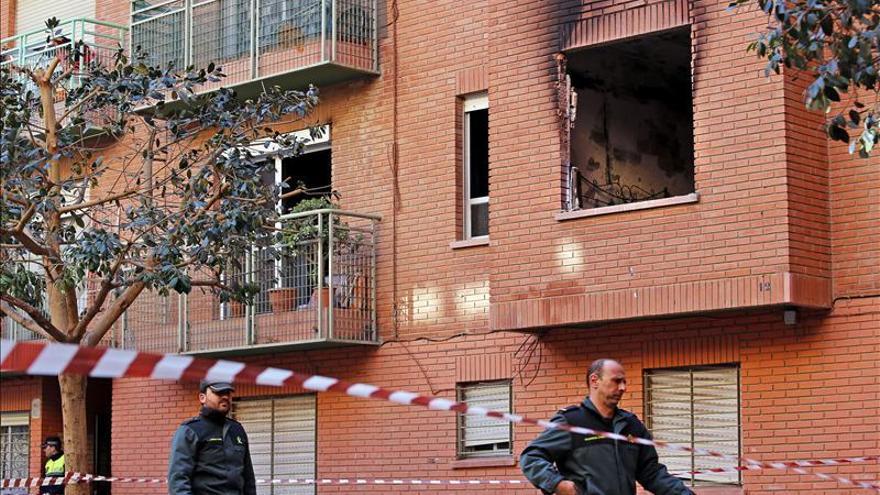 Muere una anciana en el incendio de su vivienda en Valencia