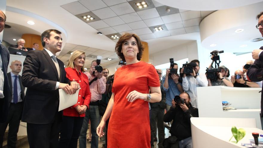 """Santamaría ofrece a sus rivales del PP la integración en su lista """"antes, durante y después"""" del congreso"""