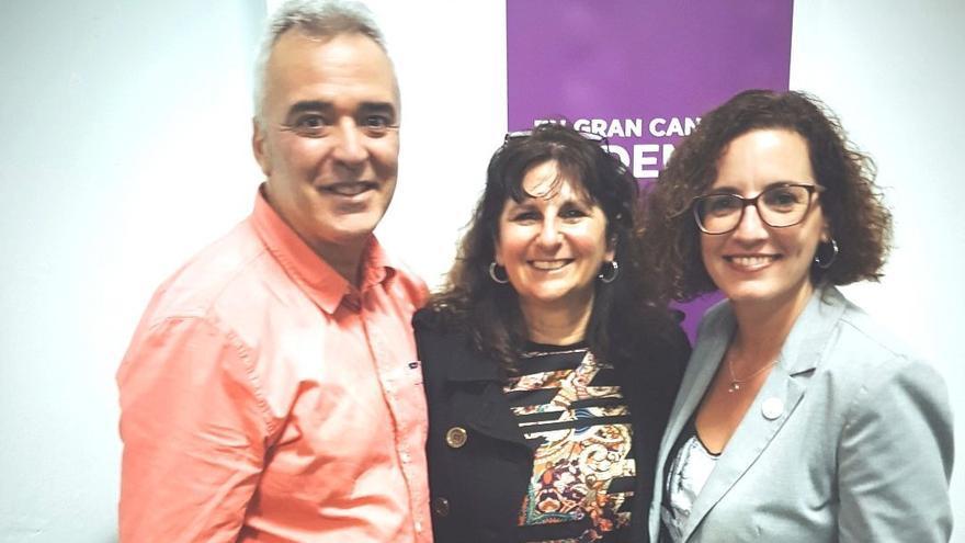 De izquierda a derecha, Héctor Benítez, Concepción Monzón y Sara Ramírez