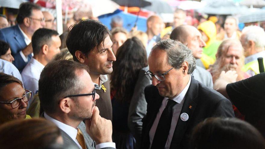Quim Torra, a su llegada al acto de Lledoners saluda al vicepresidente del Parlament