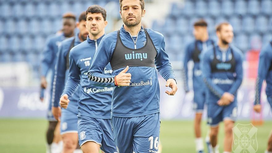 El CD Tenerife busca la inyección de moral definitiva frente a un coloso como el Villarreal