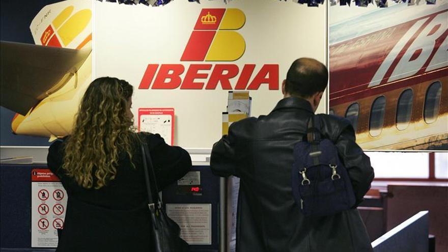 Iberia pacta un ERE voluntario para 1.427 empleados de tierra y pilotos