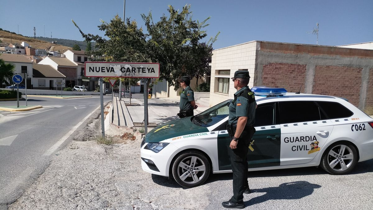 Guardias civiles en Nueva Carteya