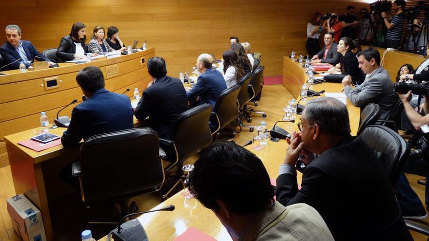 Víctor Camps comparece en la comisión del accidente de metro