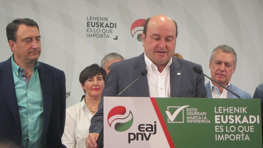 """Ortuzar: """"Vamos a escuchar a Rajoy, pero la gobernabilidad de España no depende del PNV"""""""