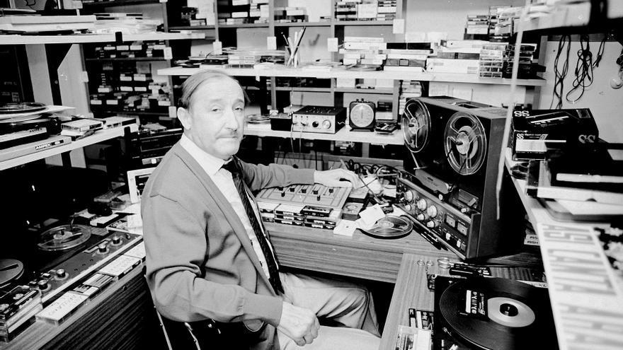 Se conservan 3500 cintas magnetofónicas grabadas por Ayerbe Santolaria en su faceta de folclorista.