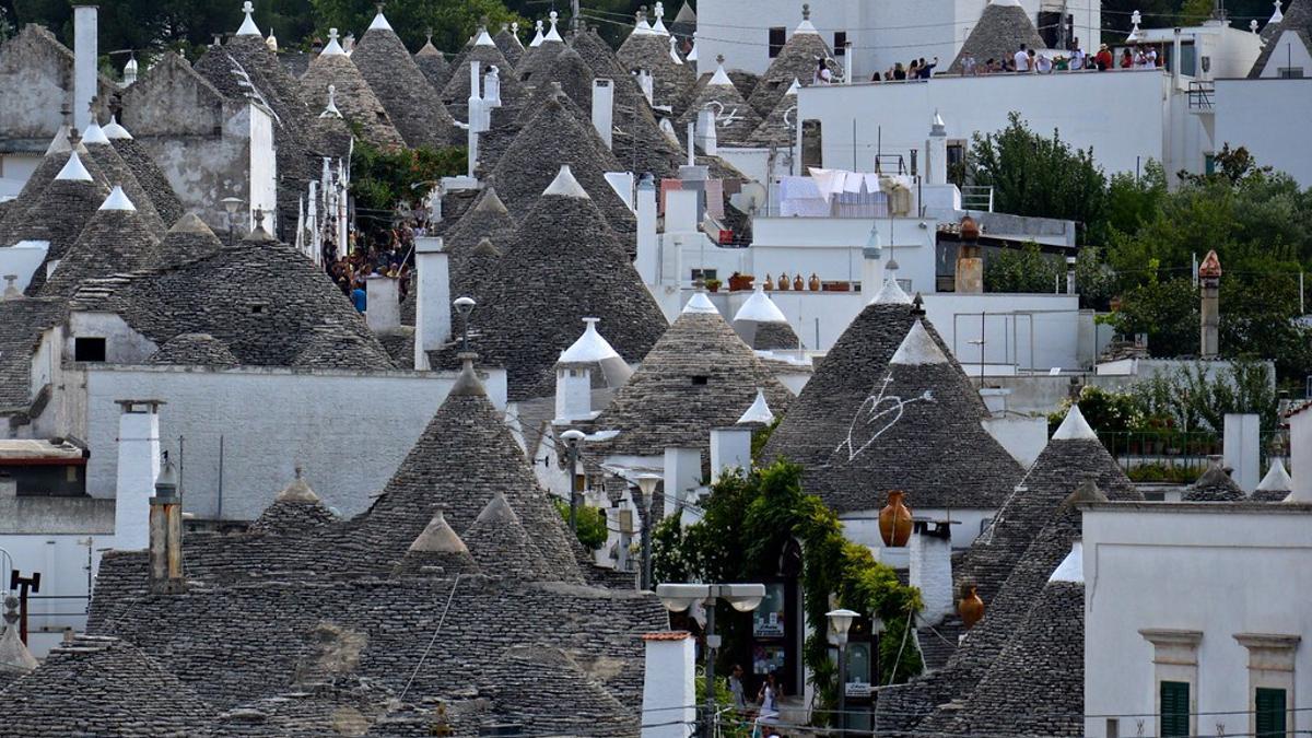 Trulli de Alberobello. Estas cúpulas de piedra caliza es una de las señas de identidad del sur de Italia.