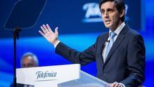 La receta de Telefónica para recuperar valor en Bolsa: plan de bajas voluntarias por valor de 1.600 millones y vender torres de telefonía