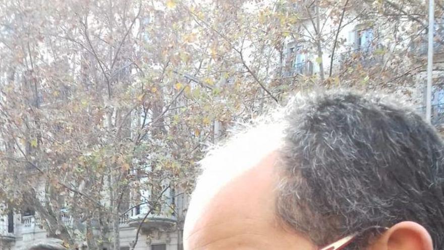 El periodista de El País. Alfonso Congostrina, tras ser agredido