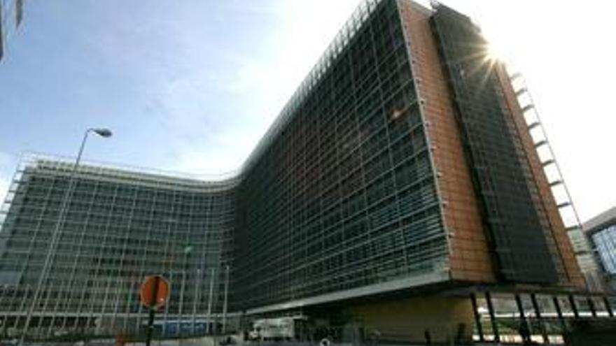 La UE podría ampliar los 'stress test' hasta al menos cien entidades