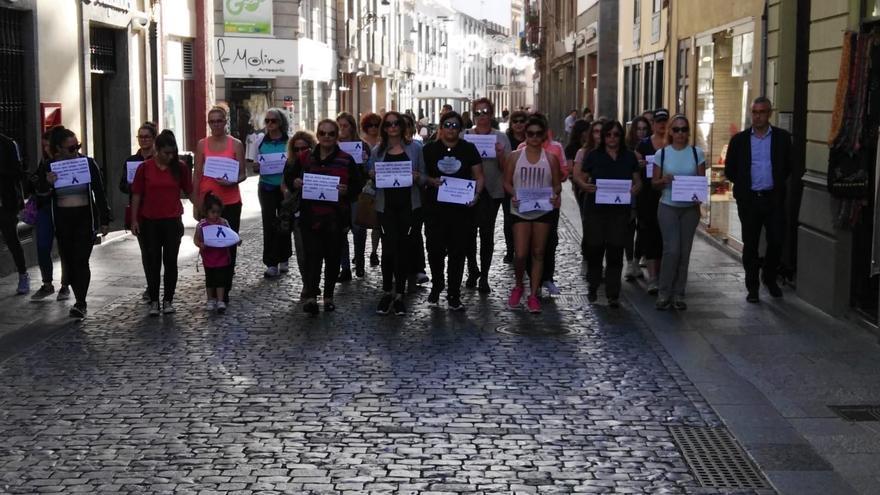 Marcha en la capital para condenar el asesinato de Laura.