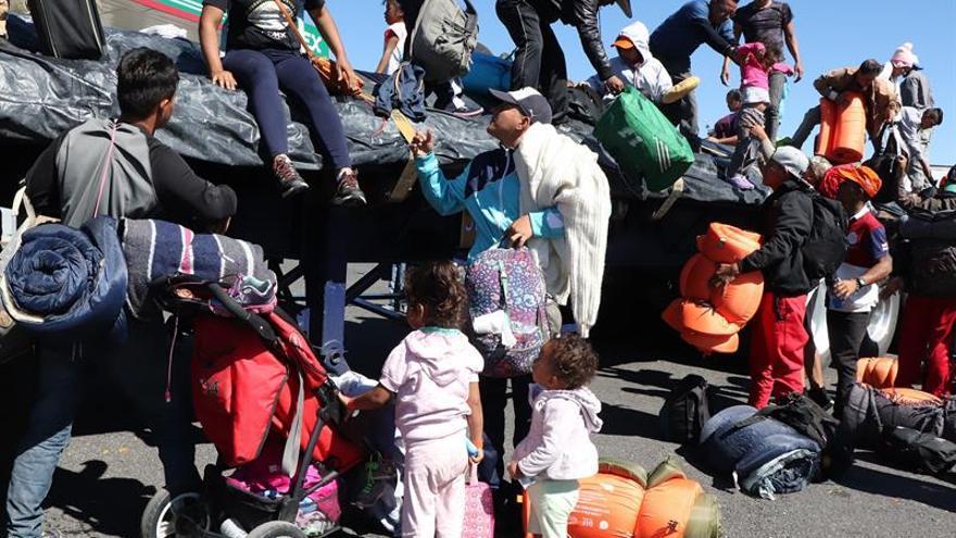 La primera caravana migrante de centroamericanos llega hoy, martes 13 de noviembre de 2018, al municipio de Tepic, en el estado de Nayarit (México)