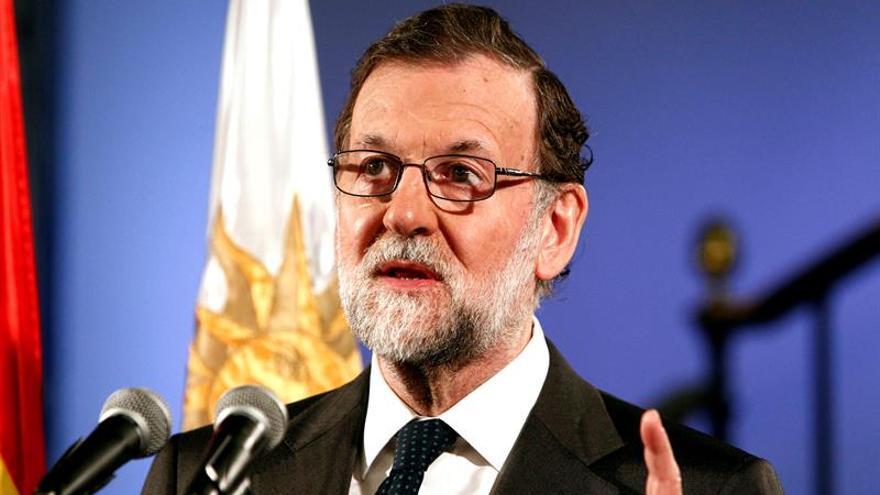 """Rajoy apoya a Catalá y Zoido y dice ante la corrupción: """"quien la hace la paga"""""""
