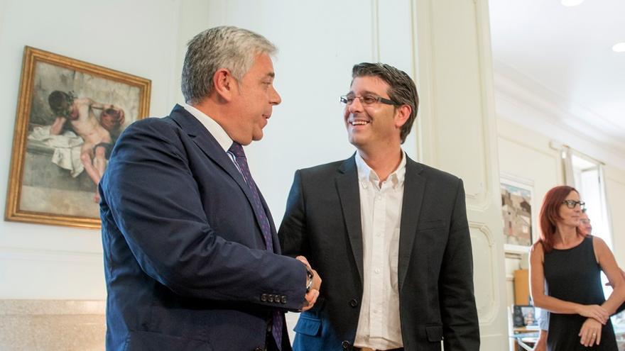 Juan José Medina ha realizado el traspaso con Jorge Rodríguez