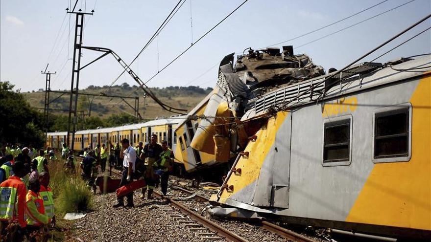 Al menos 200 heridos al chocar dos trenes de pasajeros en Sudáfrica