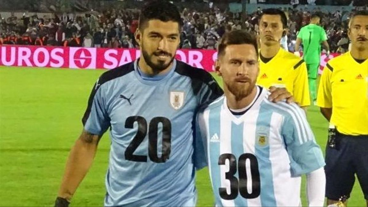 Los amigos Lionel Messi y Luis Suárez, cara a cara con sus seleccionados.
