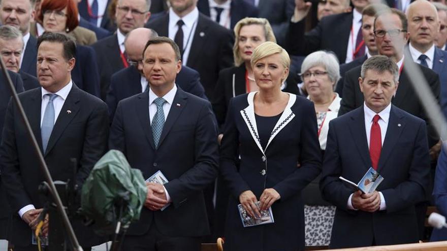 Detienen a un hombre armado en Cracovia que resultó ser seguridad del presidente de Panamá