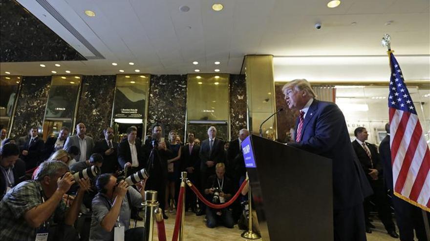 Trump dice que si es presidente mandará de vuelta a los refugiados sirios