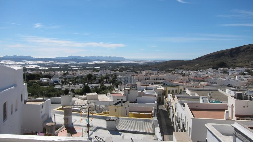 Níjar (Almería) y Setenil de las Bodegas (Cádiz), nuevos pueblos más bonitos de España desde 2019