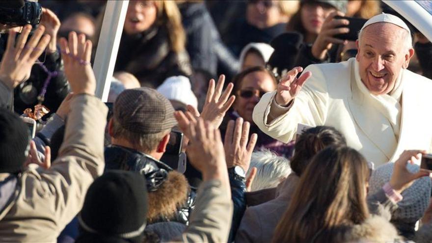 El papa asegura que no es marxista, pero no se ofende si se lo llaman
