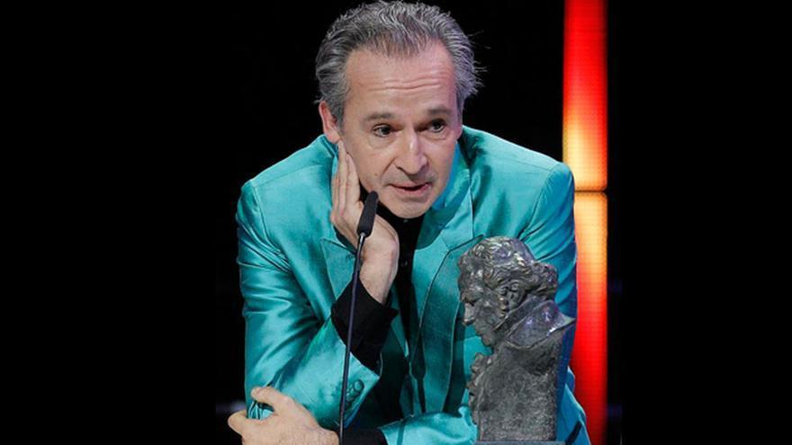 Alfonso Vilallonga con el Goya de Mejor Música por 'Blancanieves'