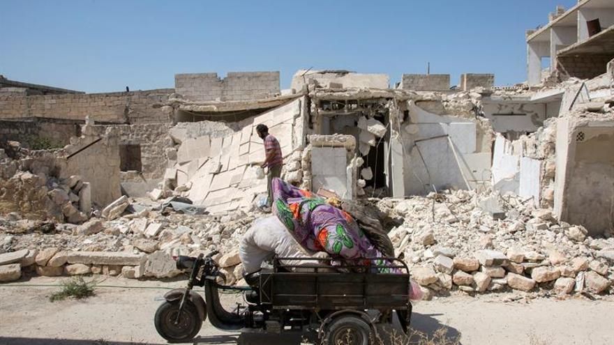 Observadores sirios elevan a 23 los muertos por los bombardeos de ayer en Alepo