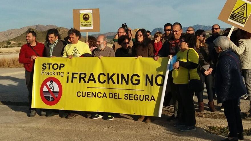 """La Plataforma contra el """"fracking"""" pide a la oposición unidad en la Asamblea Regional frente al PP"""