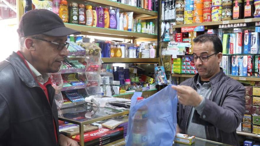 La tienda del barrio en Marruecos resiste a la modernidad