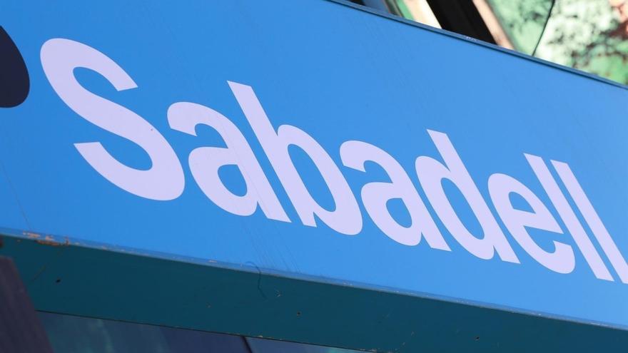 El consejo de Sabadell se reúne esta tarde para aprobar el cambio de domicilio social de la entidad