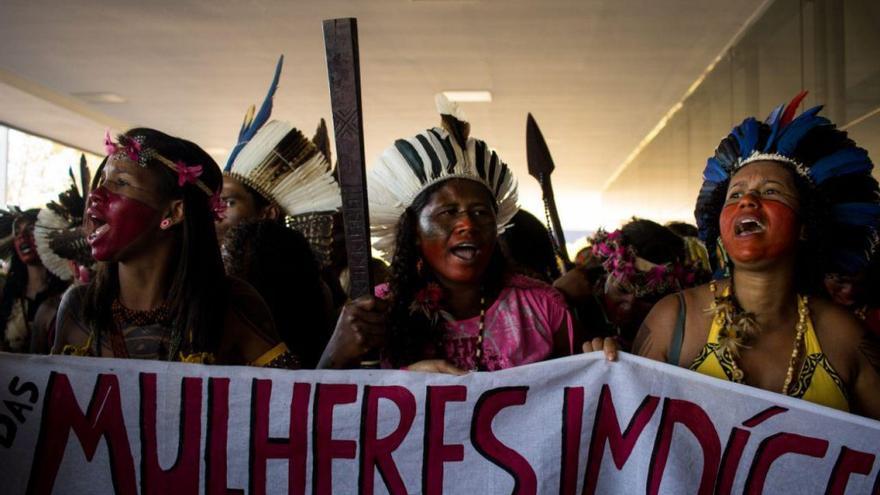 Imagen de la Primera Marcha Nacional de Mujeres Indígenas en Brasil, celebrada entre el 9 y el 13 de agosto en la capital.