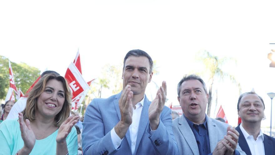 Pedro Sánchez y Susana Díaz arropan al alcalde socialista de Sevilla, Juan Espadas.