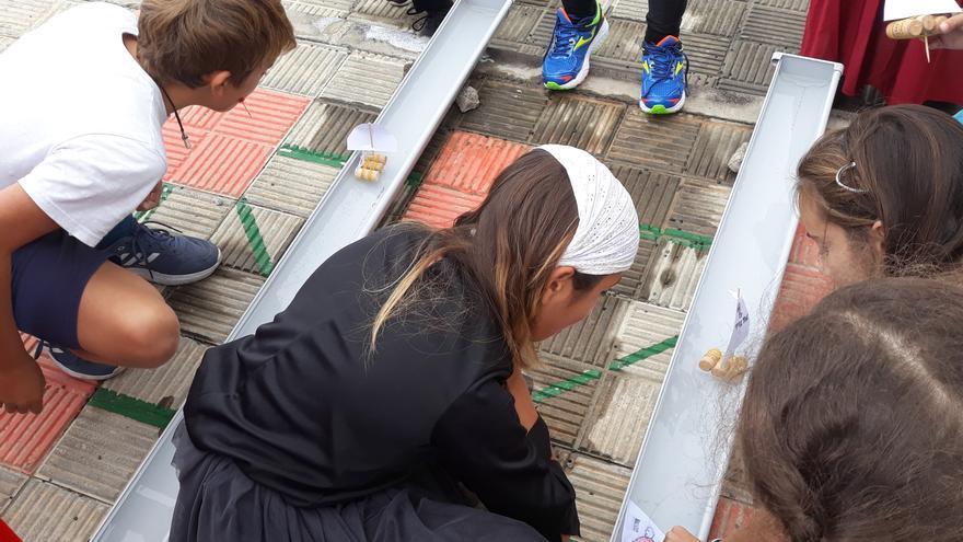 'Velas y Barquillos' es el nombre del proyecto de promoción en educación primaria que desde el pasado curso el Benahoare lleva a cabo entre los escolares de la Isla.