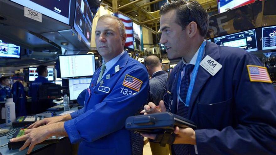 Wall Street abre al alza y el Dow Jones sube un 0,90 por ciento