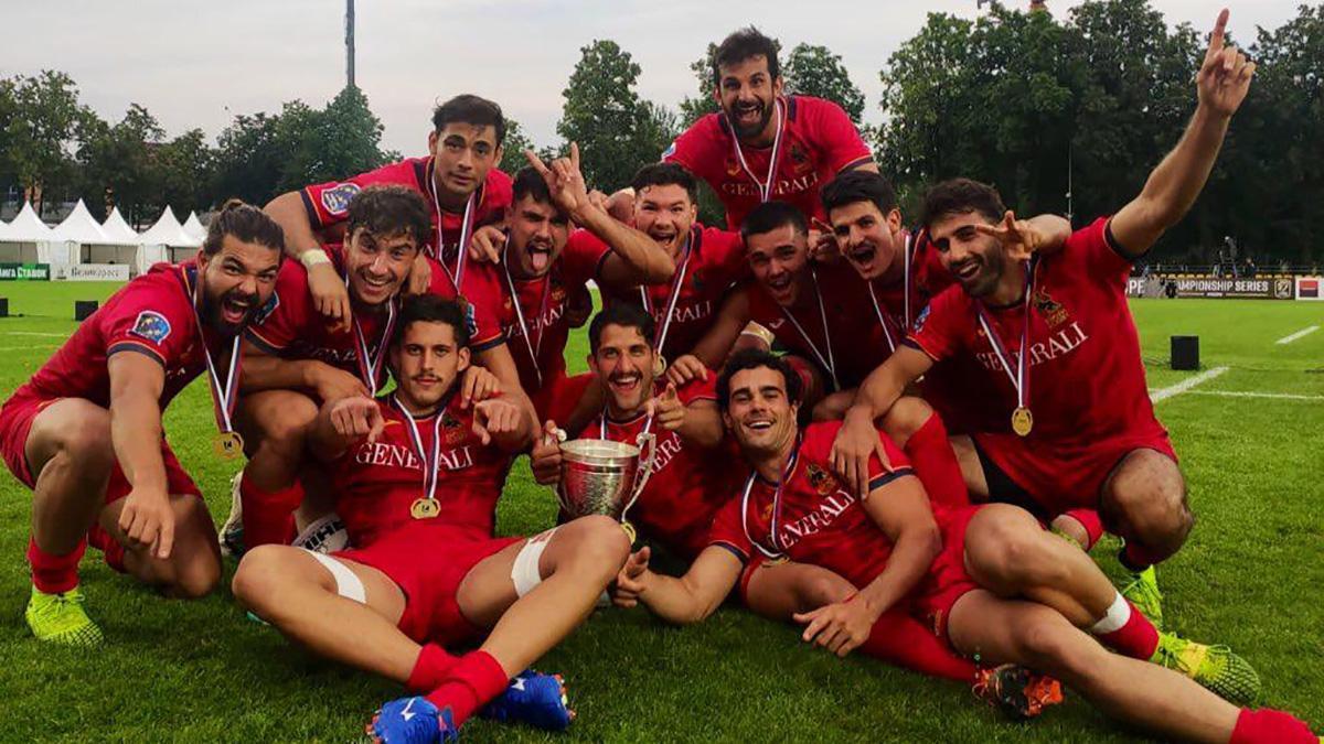La selección española de rugby celebrando el Europeo