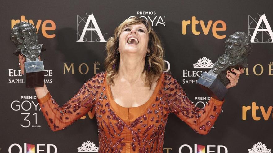 Emma Suárez, feliz con sus dos premios Goya 2017
