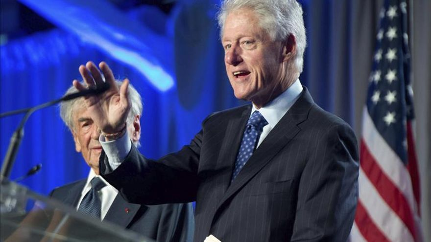 """Clinton, Elton John y Eva Longoria, contra el sida en el """"Life Ball"""" de Viena"""