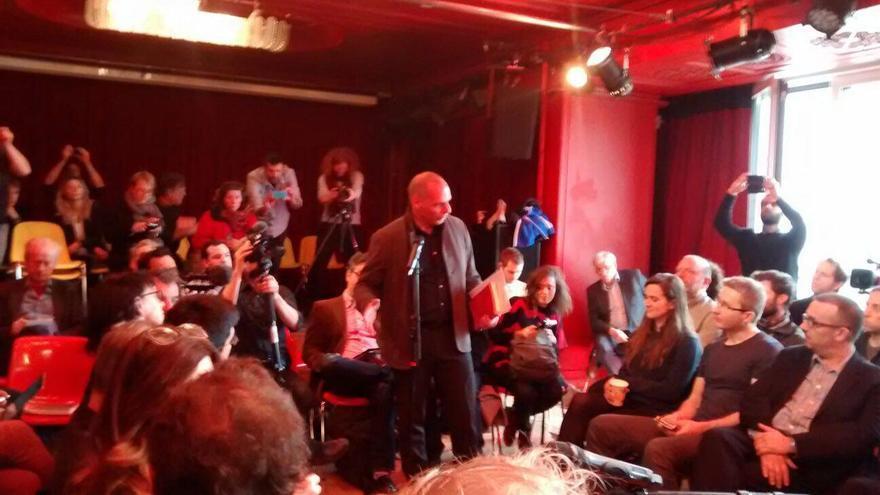 Yanis Varoufakis durante la ronda de debate de @DieM25