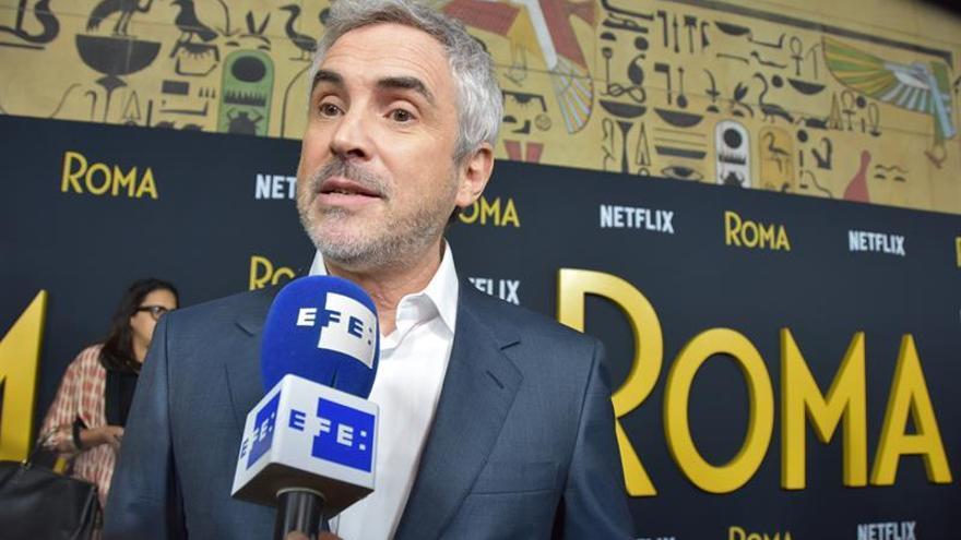 """""""Roma"""", de Alfonso Cuarón, seguirá en cinco cines a la vez que en Netflix"""