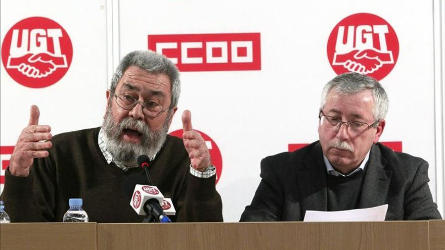 Rajoy oirá a los agentes sociales pero defenderá tajante su reforma laboral