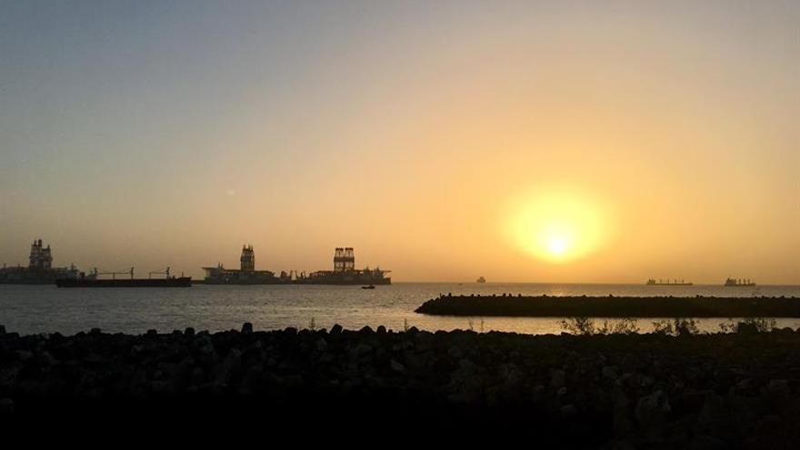 La imagen muestra el puerto de Las Palmas de Gran Canaria, a las 7.50 horas.