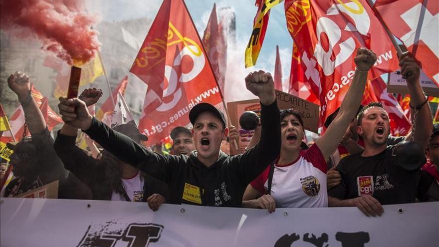 Los sindicatos franceses se manifiestan en París en contra de la austeridad
